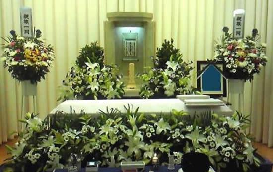 シンプル花祭壇